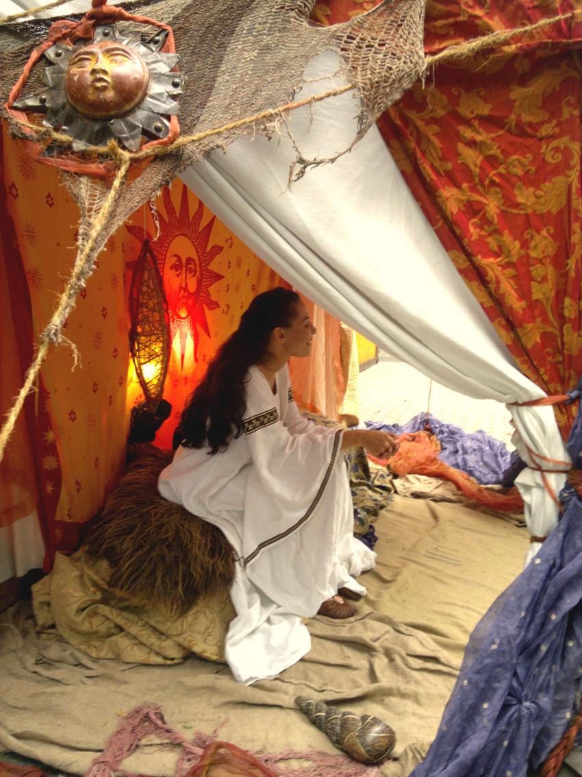 Cara-Wahrsagerin-Zelt-Historienfest